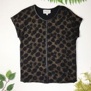 Two by Vince Camuto | metallic cheetah top XS